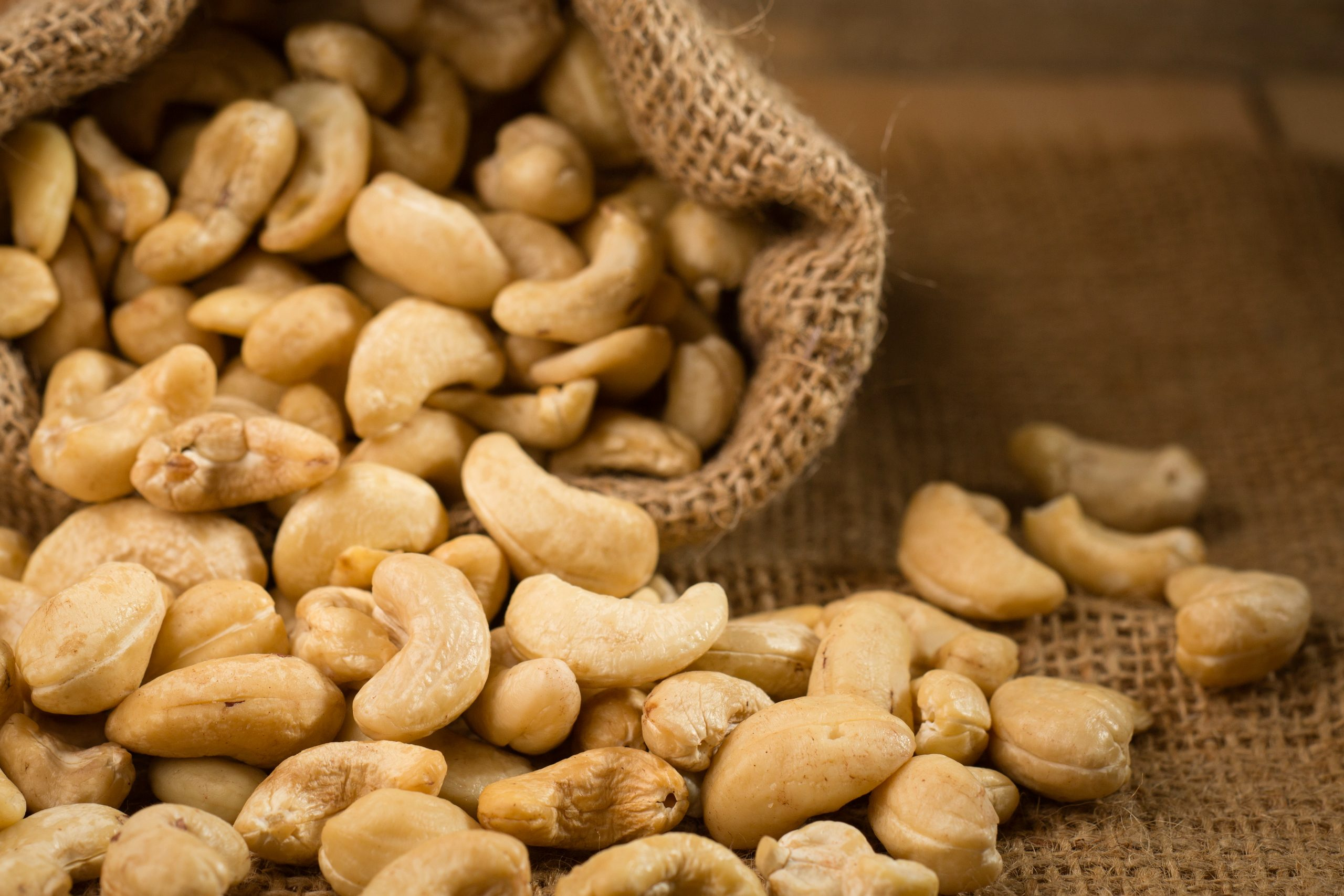 pealed Cashew Nuts
